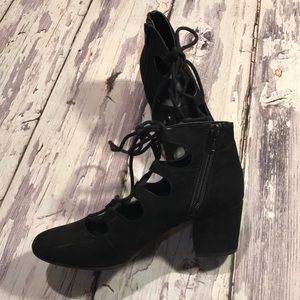 Merona lace up shoes size US 6.5